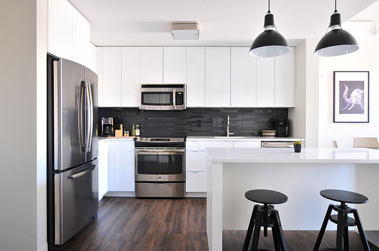 Nice and clean modern kitchen   RCS Cleaning cleans Kitchens!